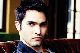 Tyler Hoechlin as Derek